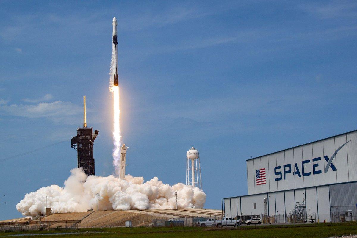«Слава или деньги»: кто побеждает в космической гонке