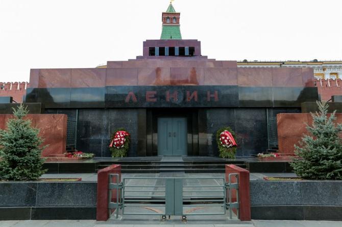 Жириновский предложил помочь бюджету продажей «мумии» Ленина