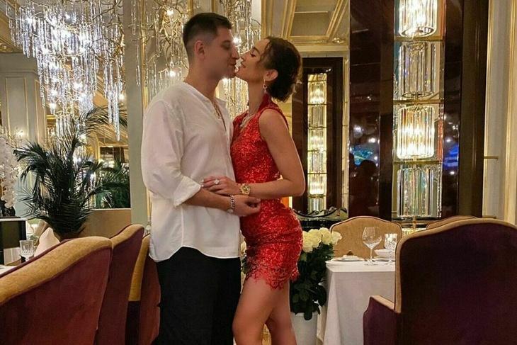 Ольга Бузова иДавид Манукян отпраздновали годовщину вказино «Сочи»