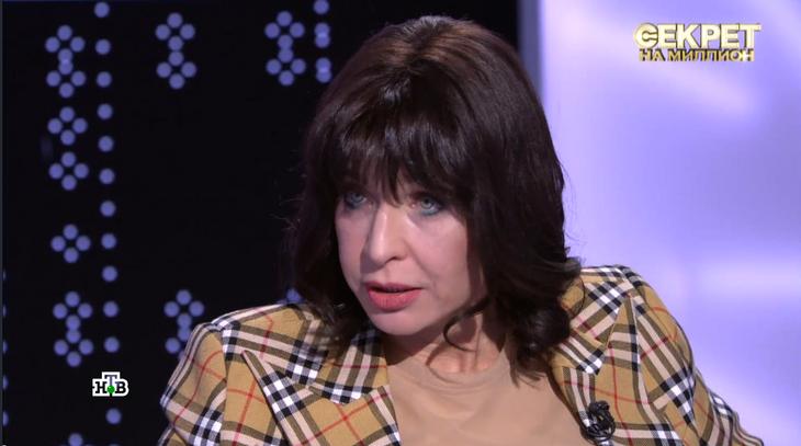 «Грудь не прижилась»: Алиса Мон пожаловалась на неудачную пластику бюста